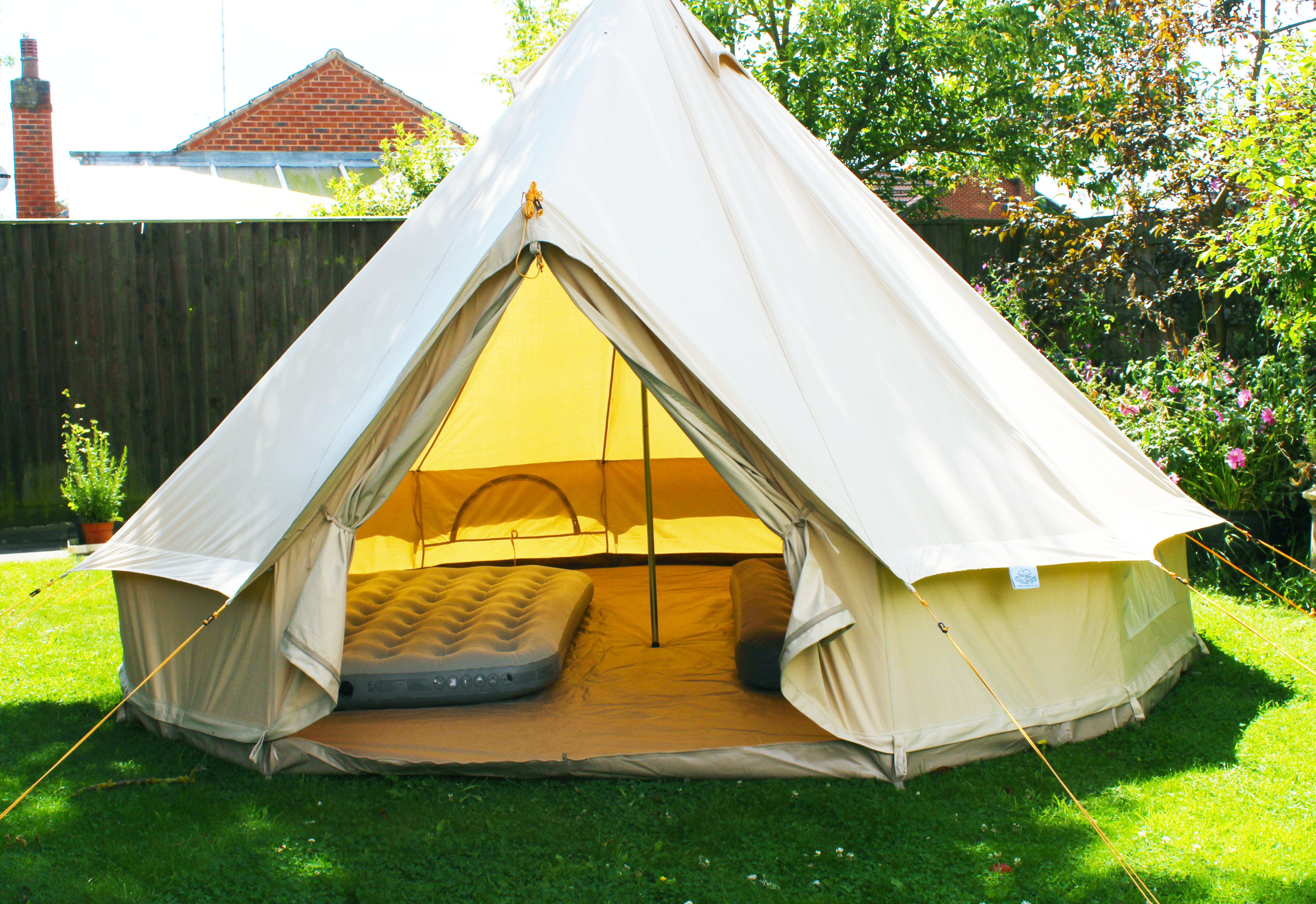 SILVER package 3 metre tents come with the tent and 1 Single size single height inflatable mattress. Suitable for 1 or 2 single mattresses (additional ... & belltenthireco.com Bell Tent Hire Package Pricing